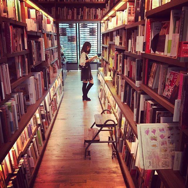 NYブルックリンにあるようなアートな創造性が溢れる本屋さん