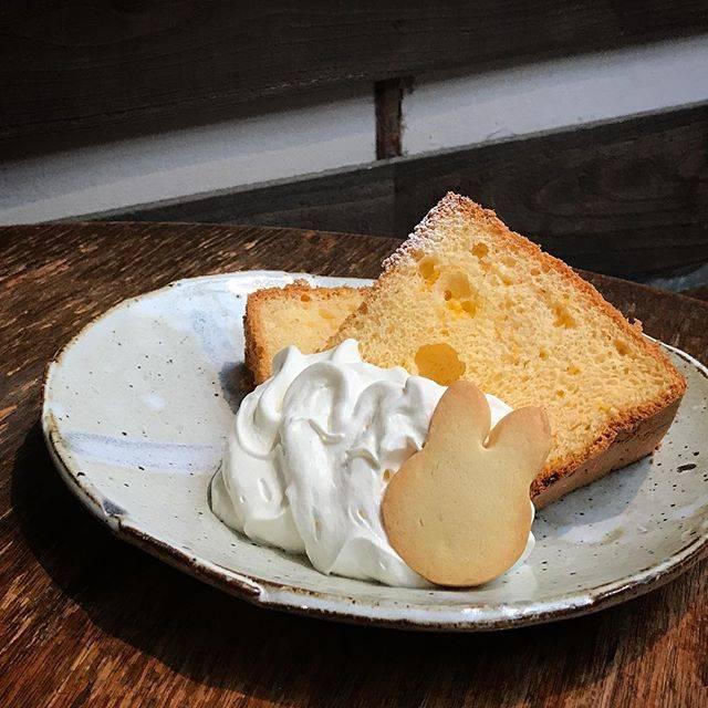 季節のシフォンケーキ「みかんとレモン」