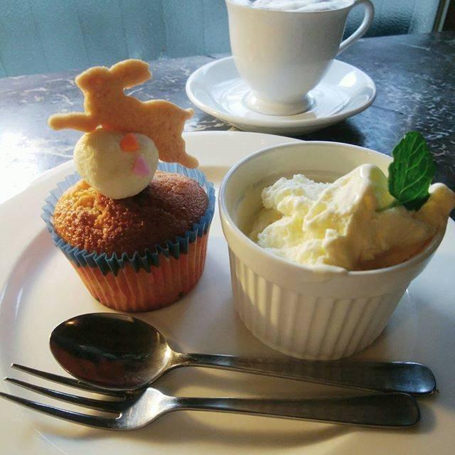 かわいいウサギさんのカップケーキ♡