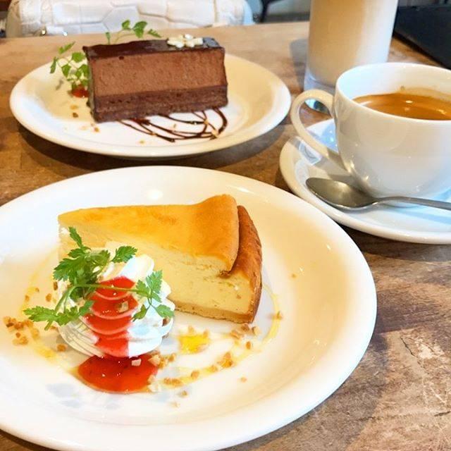 カフェ シャルボン (CAFE CHARBON)