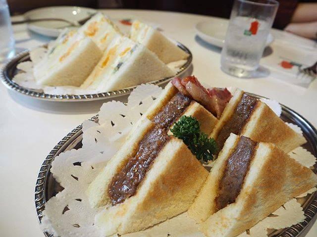 京都の朝ごはんは、イノダコーヒーのビーフカツサンドとフ...
