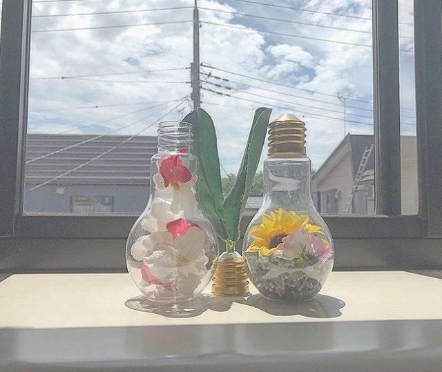 電球ソーダにお花つめたらかわいくなった🌸
