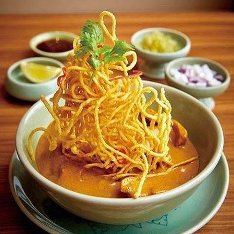 チェンマイ料理『カオソイガイ」