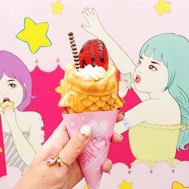 アイスとあったかいモチモチたい焼きのコラボ💗 ヒヤホッ...