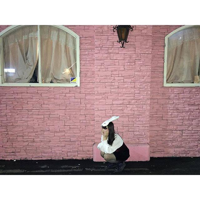 インスタ女子必見のピンクの壁!