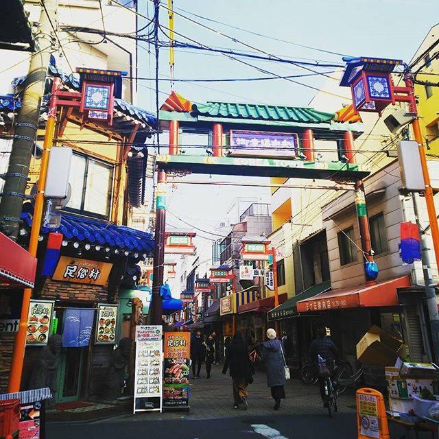 """A.FUJIMOTO on Instagram: """"今日は休日。1人鶴橋のコリアンタウンへ。歩き疲れたー。肉、美味しかったな。...#休日 #大阪 #鶴橋 #鶴橋コリアンタウン #おでかけ"""" (51719)"""