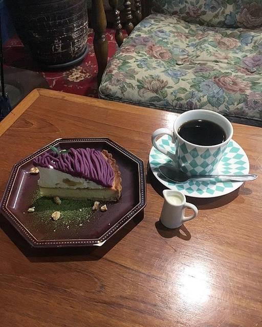 "Yuubi Nomura on Instagram: ""・夜の中崎町で居心地抜群なカフェ見つけた🗽☕️〻・・・#中崎町 #紫芋モンブラン #秋限定に弱い #大阪カフェ"" (53132)"