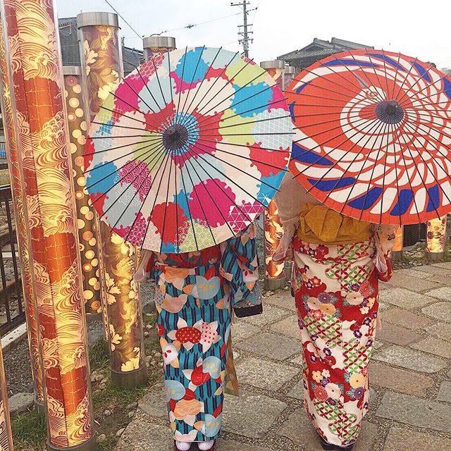 """Fubuki Ichida on Instagram: """"キモノフォレスト🌿#kyoto #arashiyama #kimono #kimonoforest #京都 #嵐山 #着物 #キモノフォレスト #食べ歩き"""" (55395)"""