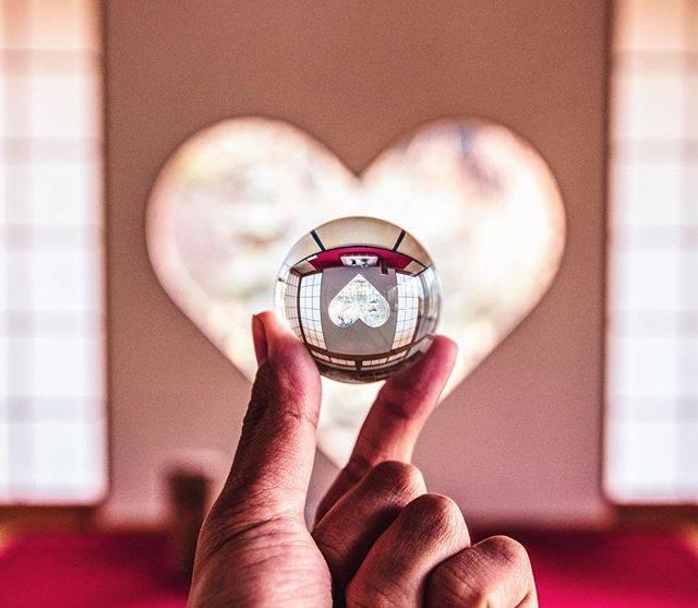"""Ryo Ogawa on Instagram: """". Location: 正寿院(京都/Kyoto) Lens: EF 24-70mm f/2.8L II USM Edit: Lightroom/Photoshop/VSCO . . 3/14 ホワイトデーということで以前訪れた正寿院のハート型の猪目窓 そして久々登場水晶玉🔮…"""" (55403)"""