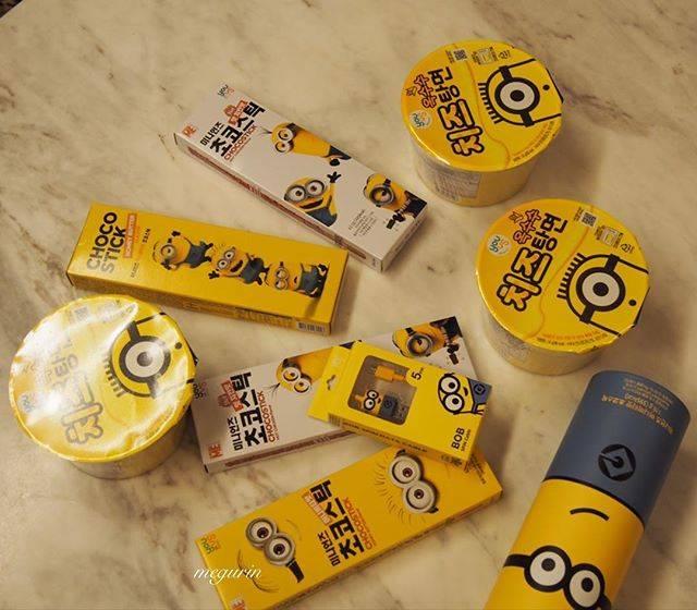 """megurin on Instagram: """"韓国のコンビニ🏪gs25でミニオンズのキャラ物購入! カップ麺は滞在中に発売だったのでゲット(^.^)😃 まだ、食べてないけどこれまた…チーズ🧀 #ミニオン #minions  #きゃらもの  #韓国コンビニgs25  #コンビニ限定 #チーズ入りカップ麺 #치즈탕면…"""" (56530)"""