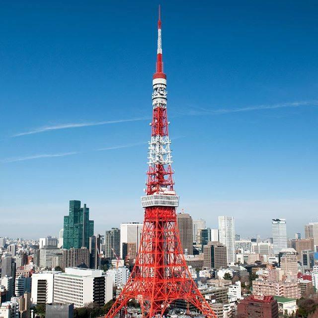 """雑誌『DiscoverJapan』 on Instagram: """"【Discover Japan 5月号 本日発売です!】 初詣の参拝客日本一の数を誇る明治神宮の成り立ちと役割、ミシュラングリーンガイドの星を持ち、外国人観光客にも大人気の高尾山、東京タワー、浅草寺…など、知っているようで知らない東京の定番スポットの秘密をご紹介します。…"""" (56890)"""