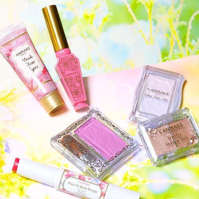 """CANMAKE TOKYO(キャンメイク) on Instagram: """"サクラ、チューリップ、ラベンダー、ローズ、スミレ…キャンメイクにはお花にちなんだカラー名のキュートなアイテムがいっぱい♪ 🌸上品なツヤまぶたを演出するスモーキーピンク「ウィンクグロウアイズ 02サクラモーヴ」…"""" (57491)"""