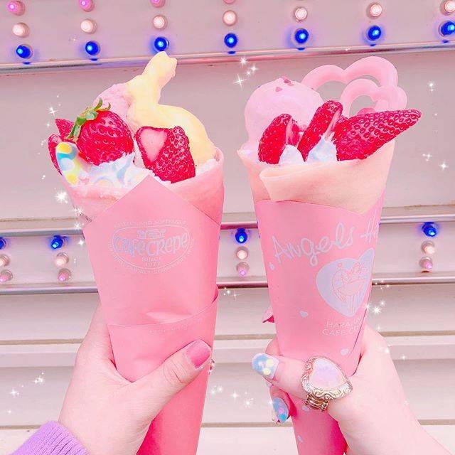 """mmk on Instagram: """"昨日ななこちゃんとクレープ食べた😋 ハートの方が竹下通りのエンジェルハートってクレープ屋さんで、 うさぎのイースターの方がラフォーレの近くのストロベリーハウスっていうクレープ屋さん💕 #crepes #pink #sweets #cafe #angelheart…"""" (58425)"""