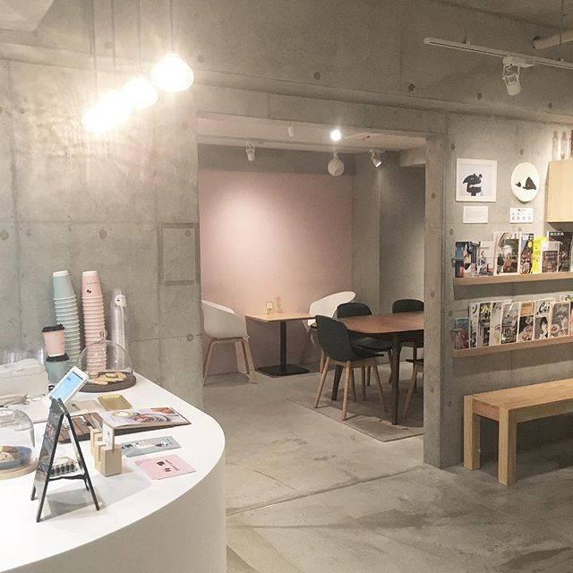 "asawa juri on Instagram: ""..くすみピンクと水色の店内がかわいすぎた☁️☁️.._ _ _#cafe#domocafe #新大久保カフェ #rili_tokyo #instagood#いいね返し"" (58878)"