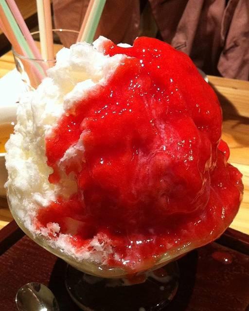 """そたこおり on Instagram: """"2012年5月谷中 ひみつ堂#いちごミルク#かき氷 #🍧 #shaveice#ひみつ堂"""" (59566)"""