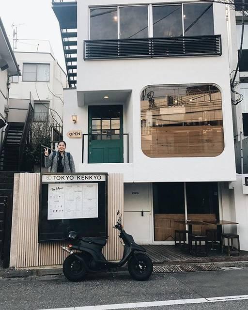 """Stephany Josephine // Teppy on Instagram: """"nyelip. #tokyo #teppyscoffeeshoplist"""" (59854)"""