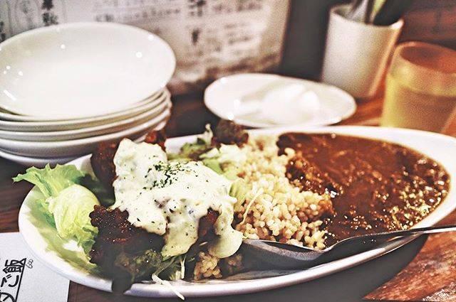 """Mie Ichinose on Instagram: """"安定の美味しさ⑅◡̈* #はやいやすいうまい #ごちそうさまでした #ランチ #中目黒 #東京グルメ #マルゲン商店 #ボリューム満点 #チキン南蛮 #キーマカレー #玄米 #グルmie #mieおすすめ #ヨガインストラクター #lunch #chicken #curry…"""" (60373)"""