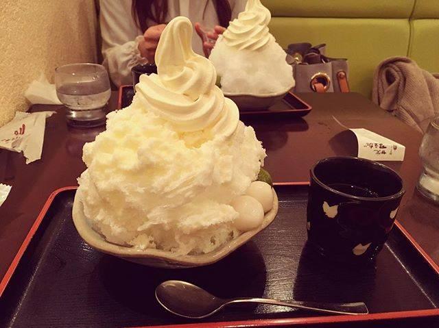 """no..tsu on Instagram: """"暑くなってきたね☀️😙 #大阪#難波#甘党まえだ#かき氷#ソフトクリーム#美味"""" (60439)"""