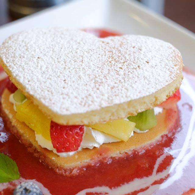 """MINO OKADA あんくらふと on Instagram: """"お友達が食べた♥のパンケーキも果物いっぱい美味しそうでした♪#フルーツキッチンほのか#パンケーキ"""" (60913)"""