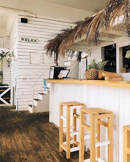 "ᴱᴹᴵᴸᵞ 𓆸 on Instagram: "": 可能熱壞了,覺得暖色的沖繩真好看! - #summervibes #relaxing #lfeandthyme #travelandlife #igerstaiwan #momentslikethese #cafehopping #afternoonbreak…"" (61807)"