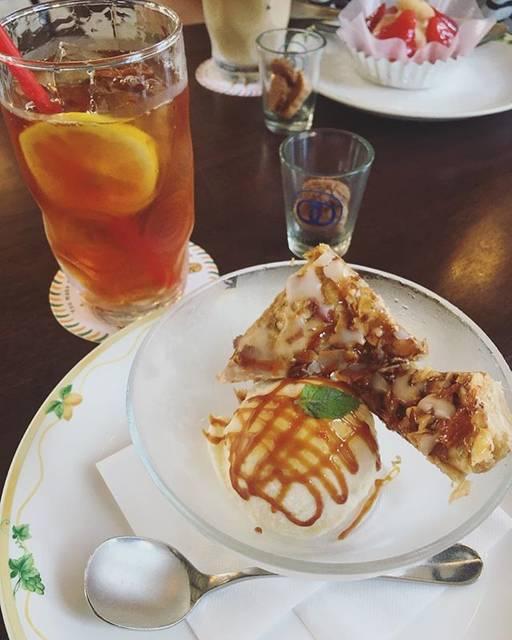 "kiyamasako_twogger on Instagram: ""美味しくて潤う🍨☕️サンドイッチも食べたかったな🤤☁️#フロインドリーブ#神戸"" (62020)"