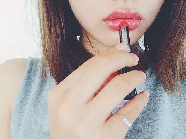 """💄yuka💅 on Instagram: """"* お気に入りのリップ💄 * ...💋💜💋💜... #ツヤツヤリップ  #くちびるオバケ  #化粧中  #仕上げのリップ  #口紅 . ...💋💜💋💜... * #おしゃれ  #メイク  #makeup  #リップ  #唇  #ネイル  #nail  #レディースファッション…"""" (63699)"""