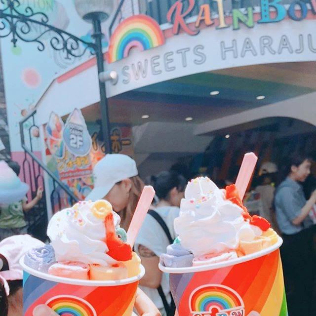 """遠藤 優依 on Instagram: """"・意外と青色が1番美味しかった#原宿#竹下通り#レインボーロールアイス#rainbowsweetsharajuku"""" (64926)"""