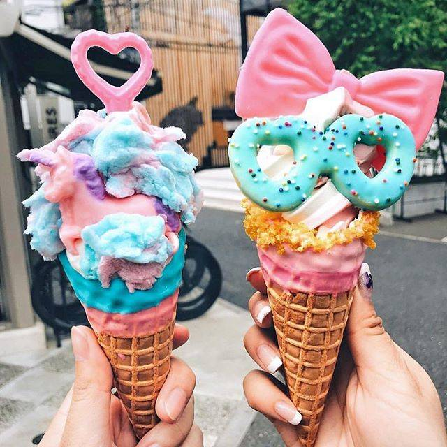 "Eddy's IceCream on Instagram: ""🦄🌈🦄🌈🦄🌈🦄  夏休みも毎日休まず営業しております😋  @foodwithmichel Thank you for coming🙏💕  …"" (65217)"