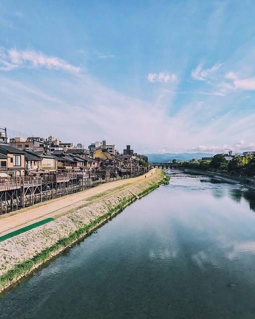 "Naoto on Instagram: ""・ ・ ・ ・ ・ ・ ・ Kyoto summer 2018 ・ ・ ・ ・ ・ ・ 四条大橋にて ・ ・ ・ ・ ・ ・ #四条大橋 #鴨川 #川床 #祇園 #京都 #そうだ京都行こう #trip #landscape #sky #Kyoto #Japan…"" (66363)"