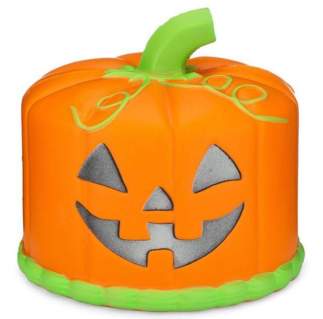 "SillySquishies on Instagram: ""New Jack O Lantern Cake with Glow in the Dark face! Can you guess what scent this is? . . . . . . #pumpkincake #pumpkinspice #pumpkin…"" (68439)"