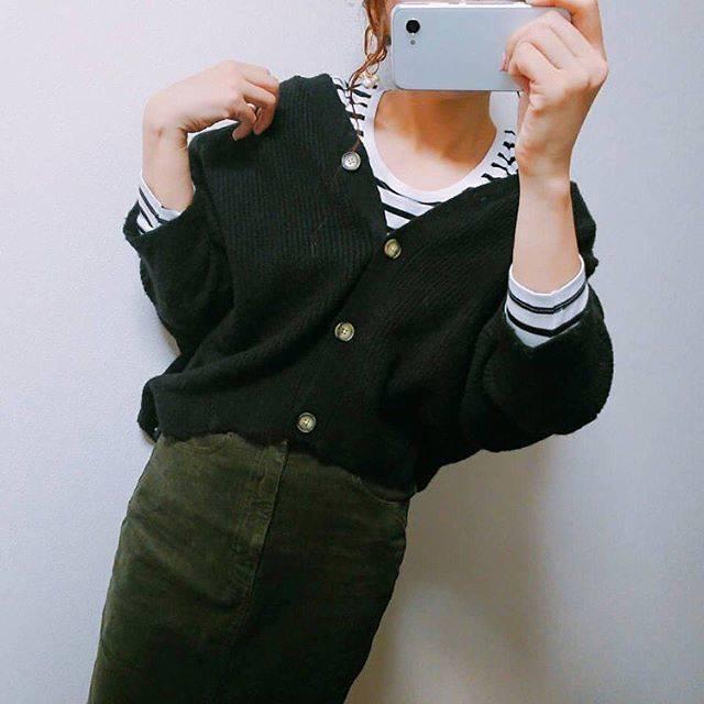 """Dorris公式 on Instagram: """"👀GUコカーデからボーダーチラ見せ👀 丸っこいコクーン型のシルエットが可愛いGUのドルマンコクーンカーディガン💕肩が少し落ち気味のドルマンスリーブなので、ルーズに着こなせます☺️GUのボーダークルーネックTをレイヤードしてチラ見せすることで、カジュアル感をプラス🧢 *…"""" (68694)"""