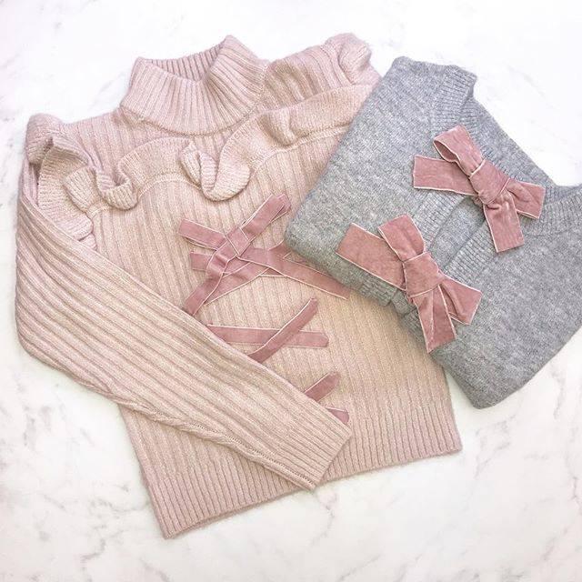 "HONEY MI HONEY OFFICIAL on Instagram: "". 大人気のニットが本日再入荷いたしました!  laceup knit ¥16,000→【web限定10%OFF】¥14,400  ribbon cardigan ¥16,000→【web限定10%OFF】¥14,400 …"" (69274)"