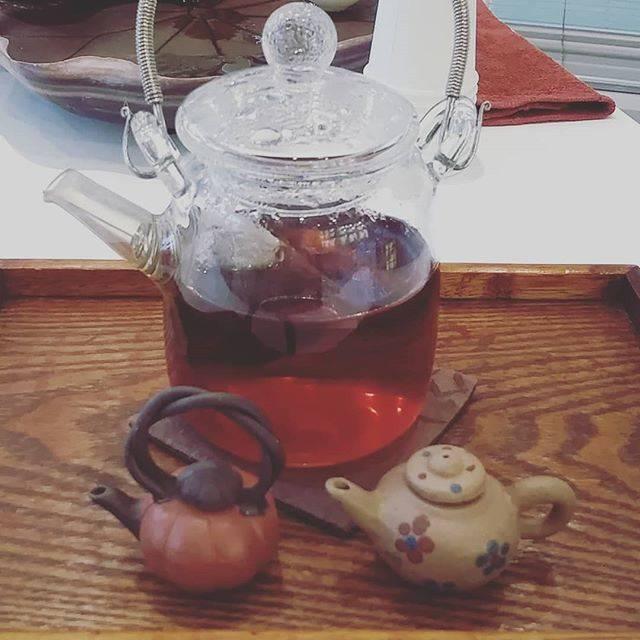 "You Cha on Instagram: ""あったまる東方美人はガラスのポットで#chinesetea#oolongtea #中国茶#遊茶#表参道#台湾#東方美人#中国#teastagram"" (70092)"