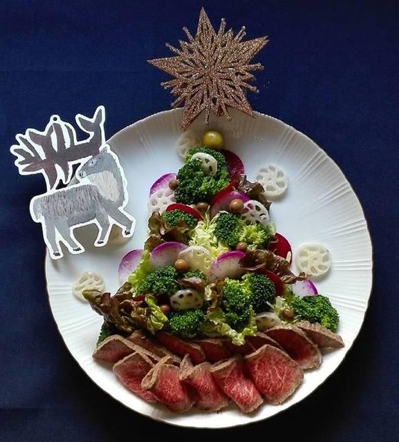 """@bimicuni on Instagram: """"少しはクリスマスしてみようか… X'mas salad  Merry christmas 🎄 * * 野菜たっぷり 盛り付け…だけでもX'mas * 皆さまお疲れさま 年末に向けて 体調整えながら行きましょう * 素敵なカード届きました トナカイさん runrunrun * *…"""" (70443)"""