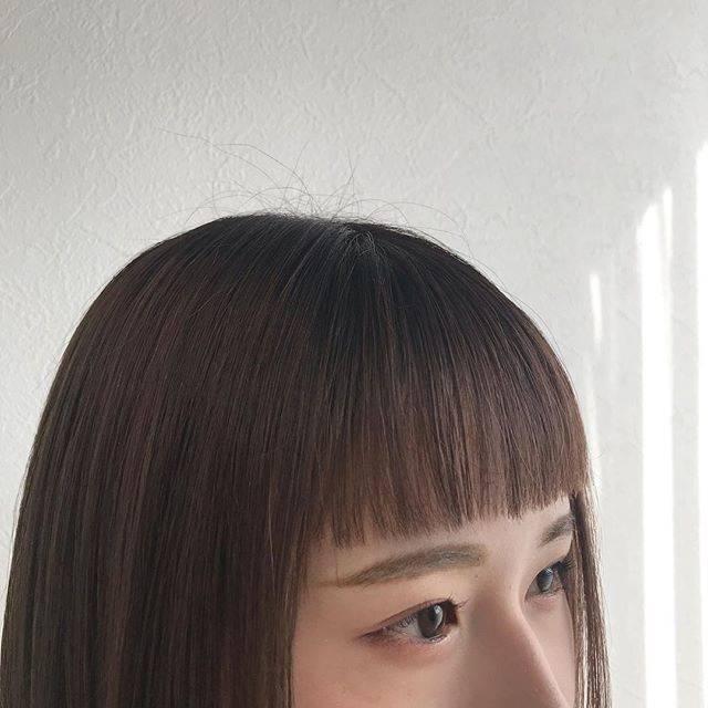 "ayaka kurihara on Instagram: ""..#チョッピーバング ✂️❤︎.ぷつんとしたライン感が👌🏻...#shooting #cut #__aya_hair__ #makeup #hairstyle #styling #前髪カット #オン眉 #オン眉バング #スタイリング #カット #名古屋"" (70580)"