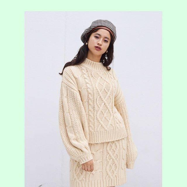 "WEGO on Instagram: ""✔︎high neck cable knit ¥2,590+tax ✔︎cable mini skirt ¥2,990+tax ✔︎check beret ¥1,990+tax ✔︎earring ¥500+tax  @kurumi_0125_…"" (70705)"
