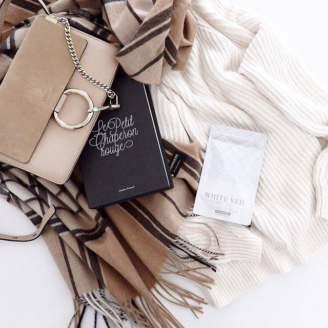 """ホワイトヴェール on Instagram: """"* 寒い冬でも、毎日アクティブに楽しみたい。 冬の「好き」を見つけに扉を開いて、出かけよう。  #ホワイトヴェール で全身トータルケア。 キレイのヒミツをお気に入りのバックに忍ばせて。  …"""" (70961)"""