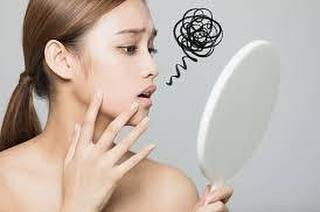 """自由が丘ピュールスパ on Instagram: """". ニキビ自己ケア方法 .  洗顔方法 *洗顔料や石鹸をよく泡立てて洗う アクネ菌を除去するにはこまめに洗うことが大事ですが、 泡立てずゴシゴシと顔をこすり洗いは摩擦によって肌を傷つけてしまいます。 *ぬるま湯で洗うのがベスト…"""" (71474)"""
