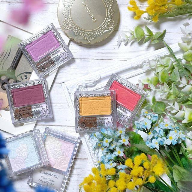 """CANMAKE TOKYO(キャンメイク) on Instagram: """"幸せ顔はチークで演出♪ロングセラー「パウダーチークス」の新色PW40ミモザイエローなら、ひと塗りでお花が咲いたような華やかほっぺに!限定発売したイエローチークが、みなさんの声にお応えして定番商品になりました♪単色使いはもちろん、いつものチークにふんわり重ねて違ったニュアンスも楽しんでみてね☆…"""" (71696)"""