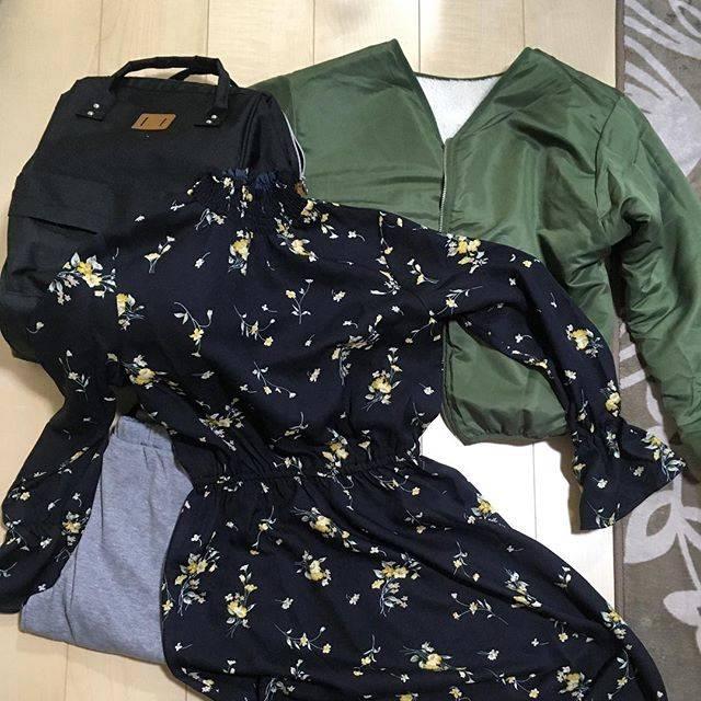 """Megumi🐝메구미💖 on Instagram: """"しまむら 3千円福袋😉 これで3千円は、安いっ!! リバーシブル アウター、ワンピース、リュック、レギンスです✨  この他にフォーマルで着られる福袋も購入しました😃  いいものいっぱい手に入れられた🎵  #福袋#しまパト #しまむら #しまむら福袋…"""" (71905)"""