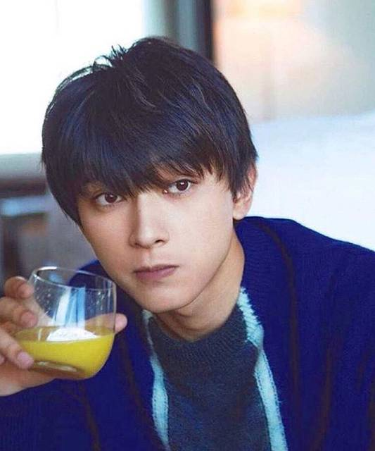 """さら on Instagram: """"顔整いすぎてて辛い。#吉沢亮#いいね返す#気になった人フォロー"""" (72263)"""
