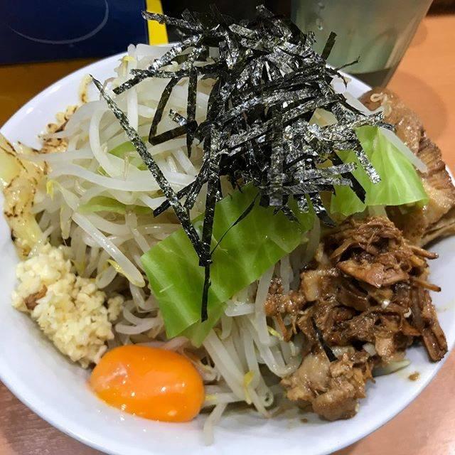 "T.Original on Instagram: ""_ これは麺半でもキツイ… . #ramen #aburasoba #half #noodles #vegetables #garlic #good #jirostyleramen #ninja #akihabara #ラーメン #油そば #麺半分 #ヤサイ #ニンニク…"" (73699)"