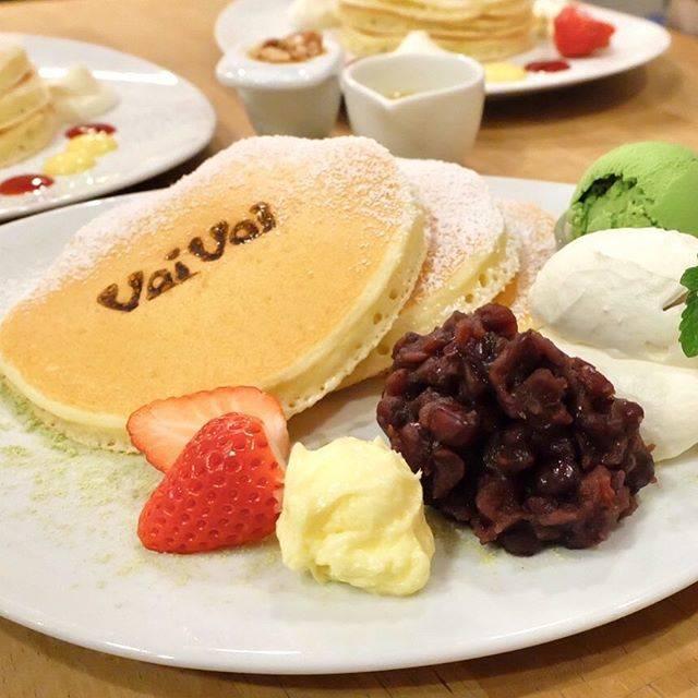 """なっちゃん on Instagram: """"🥞🍵 2019年VoiVoiはじめ♪ ふかふかバターミルクパンケーキに、 粒がほっくりしたあんこの甘さ、まろやかな生クリームからやわらかな塩気、バターのコクが加わると、それはもうウットリする美味しさ(о´∀`о) 今年もたくさん通います♪ . #パンケーキ #pancake…"""" (73866)"""