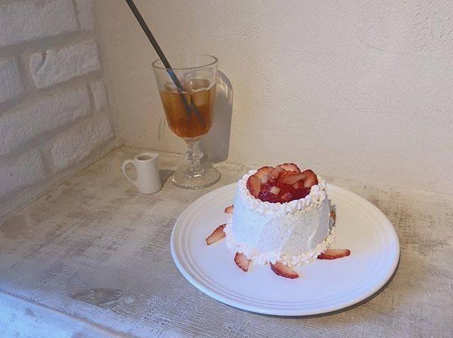 "ɴᴀɢᴏᴍɪ on Instagram: ""ㅤㅤㅤㅤㅤㅤㅤㅤㅤㅤㅤㅤㅤ ㅤㅤㅤㅤㅤㅤㅤㅤㅤㅤㅤㅤㅤ 1月のシフォンケーキも美味しかった🍓♡ ㅤㅤㅤㅤㅤㅤㅤㅤㅤㅤㅤㅤㅤ 毎月来てたらついに店員さんに顔覚えられました🙂 ㅤㅤㅤㅤㅤㅤㅤㅤㅤㅤㅤㅤㅤ…"" (73922)"