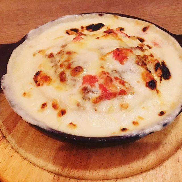 "MOGMOG on Instagram: ""こんにちは! 今日はだいぶ冷えますね😰 平日限定のラザニア風パンケーキは熱々ハフハフのパンケーキです🔥 ぜひお召し上がりください! . #mogmog #pancake #pancakes #パンケーキ #cafe #カフェ #カフェ巡り #shimokitazawa #下北沢…"" (73941)"