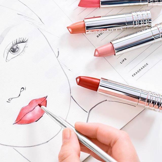 """クリニーク on Instagram: """"【いよいよ明日💄】直塗りでも唇の輪郭をとらえてくっきり描ける、シャープな形状のブレット。新製品 「ドラマティカリー ディファレント リップスティック」は、2月1日 全国発売です💫   #ドラマティカリーディファレントリップスティック #リップ #リップ💄#リップスティック…"""" (74677)"""