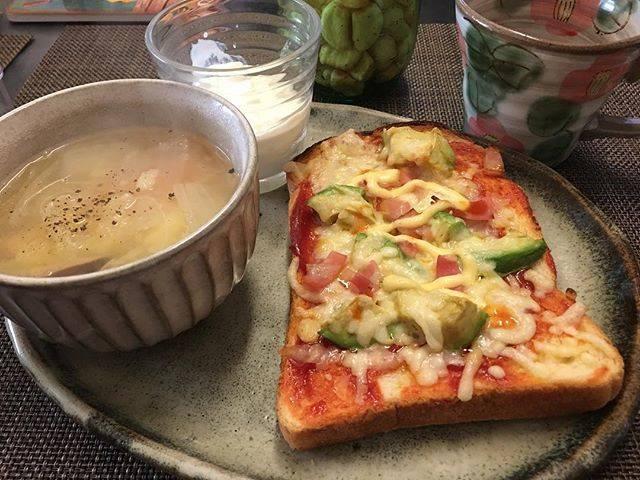 """Noriko Saito on Instagram: """"おはようございます☀朝からカレーを作り、家族の置き弁に!朝食は、昨夜の残りのポトフとピザトースト!さあ今日も頑張るぞ💪#朝食 #朝ごはん #モーニング #ピザトースト #朝の活力源 #豊かな食卓 #instafood #instagram #instagood"""" (75047)"""