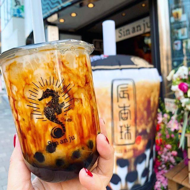 """辰杏珠 Sin an ju on Instagram: """"辰杏珠の大人気黒糖バブルミルク✨  周りに見えるサンゴ模様は 黒糖の濃厚さが目で見てもわかるような 深みのある味わい♡  ホットもご用意しておりますので 本日のように寒い日にはおすすめ!!…"""" (75242)"""