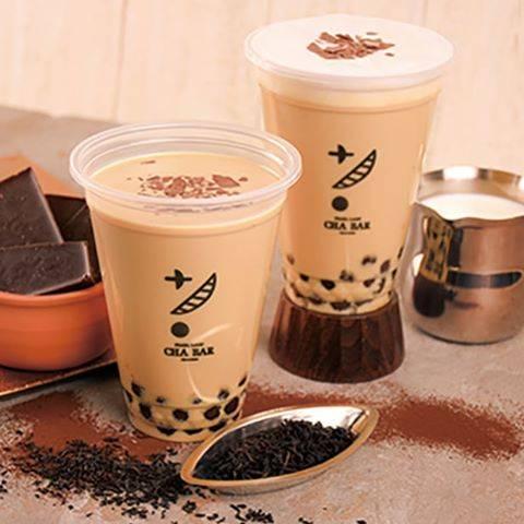 "PEARLLADY 茶BAR on Instagram: ""🆕2.1新登場+* 🍫ショコラ紅茶🍫 . チョコレートのフレーバー紅茶に チョコフレークをトッピング☕️💫 . . 画像左) クリームショコラ紅茶ラテ ¥450 画像右) ショコラ紅茶ラテ ¥400 . . フレーバー紅茶ですので、 甘さ調節🆗 . チョコフレーク増量 +¥30…"" (76342)"