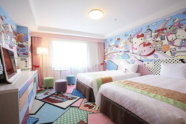 "Keio Plaza Hotel Tama on Instagram: ""This is Hello Kitty Town Room at Keio Plaza Hotel Tama! Hello Kitty and her family is enjoying the amusument park in the wallpaper of this…"" (77646)"